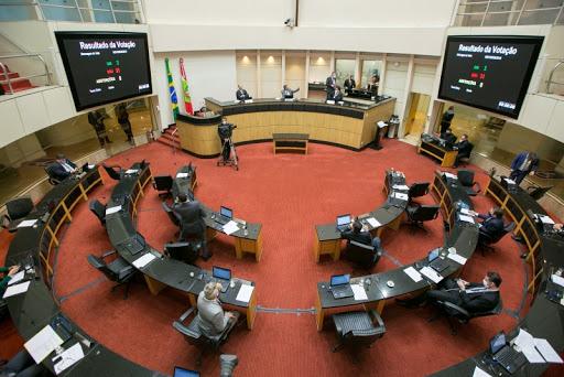 Impeachment em SC – Ação do Governo sobre o rito no STF repercute na Assembleia