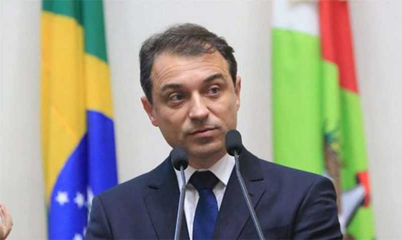 Ministro Barroso modifica rito do impeachment em SC