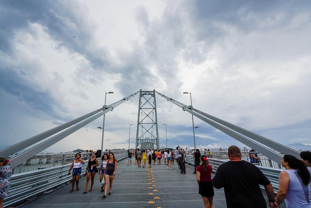 Opinião – Liberar tráfego de veículos na Ponte Hercílio Luz é erro e rasga discurso