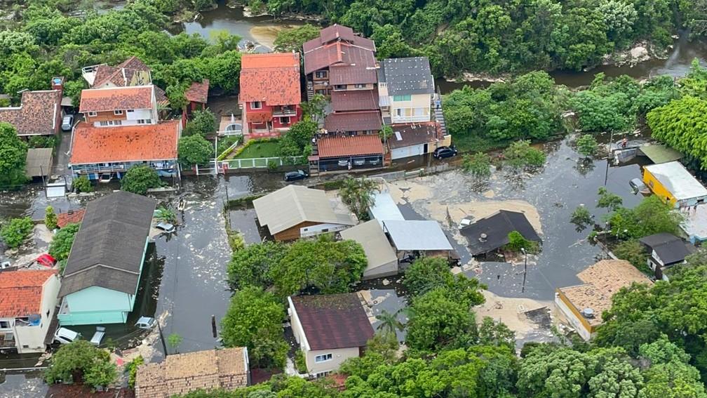 Casan é multada em R$ 15 mi pela Prefeitura de Florianópolis por danos à Lagoa da Conceição