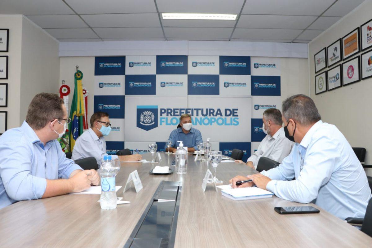 Prefeitos da Grande Florianópolis planejam plano de vacinação único
