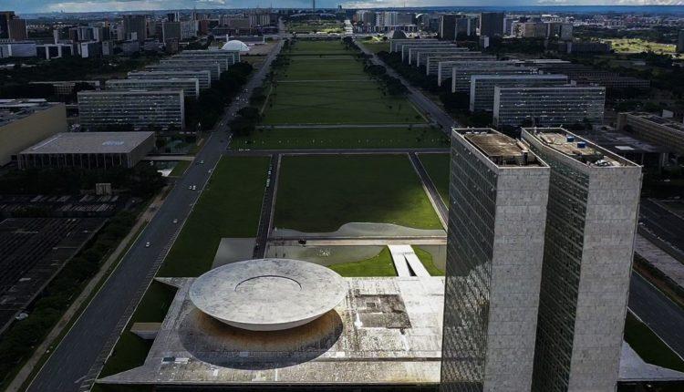 Brasília ferve – Eleições têm infidelidade, interferência do Planalto e ameaça de impeachment